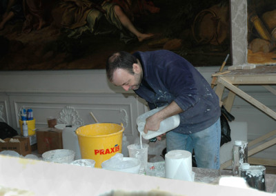 Preparing for casting the reinforced plaster and polymer columns